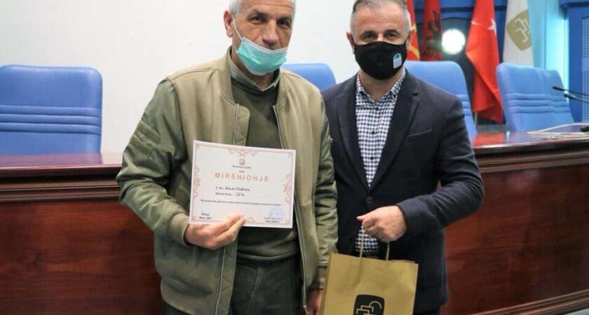 Mirënjohje për Z.Adnan Mustafa si arsimtar i dalluar në shkollën tonë